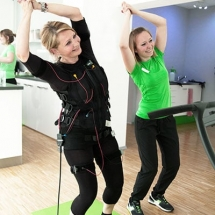ems training mit trainer im fitnessstudio in berlin