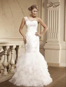 Schöne Braut im Brautkleid